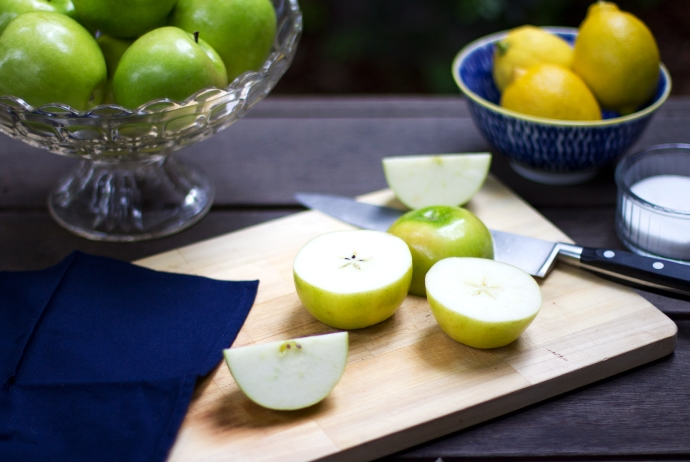 Sliced Green Apples