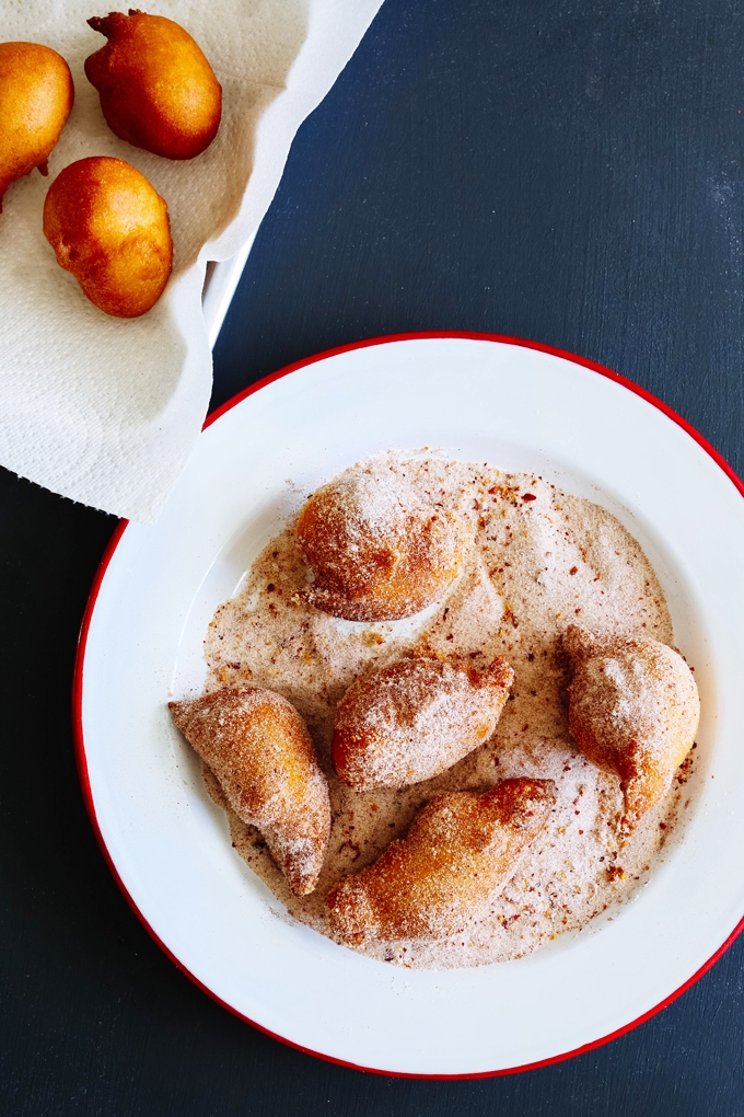 Cinnamon Chile de Arbol Donut Holes