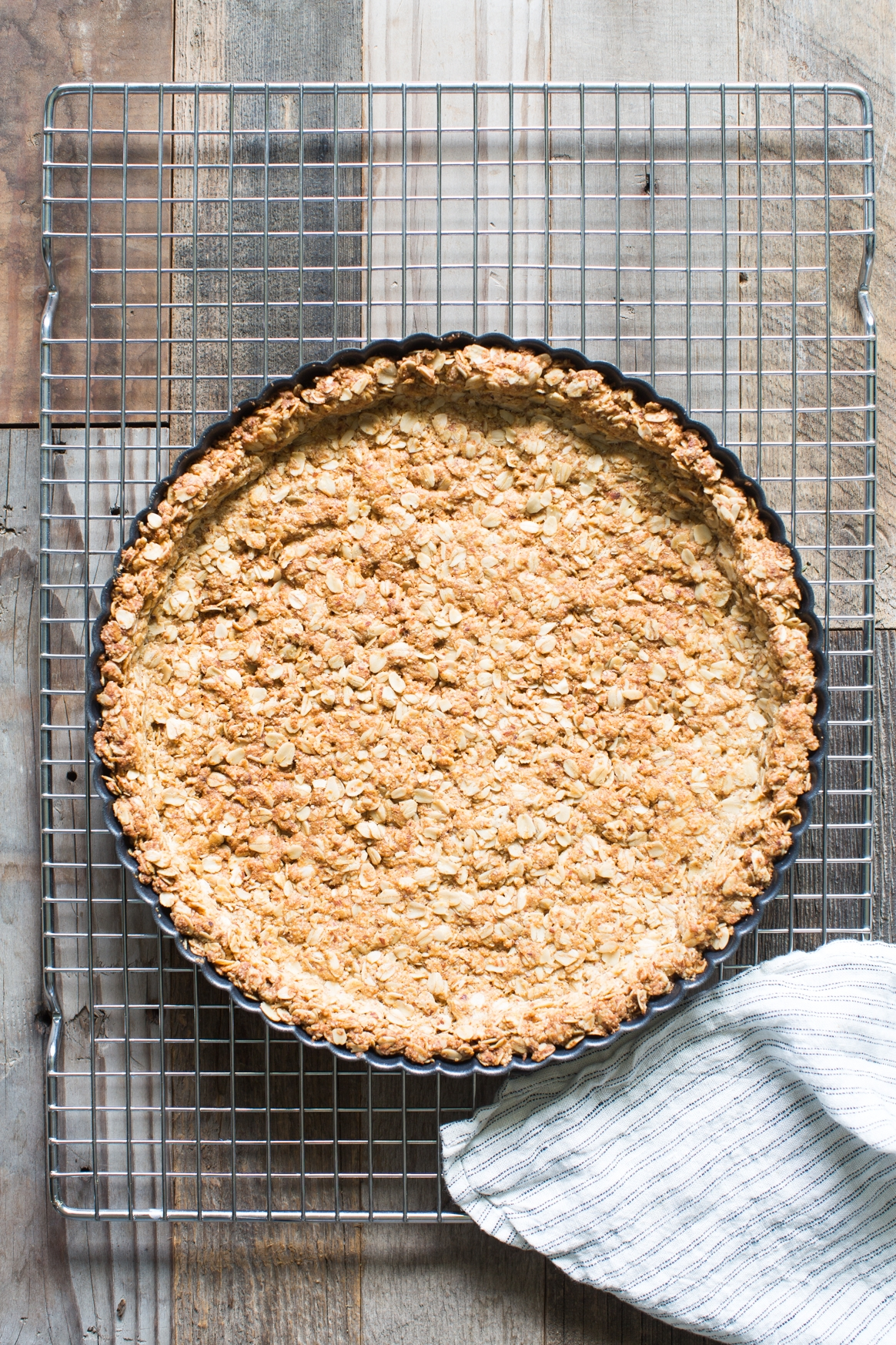 Almond, Oat and Honey Crust