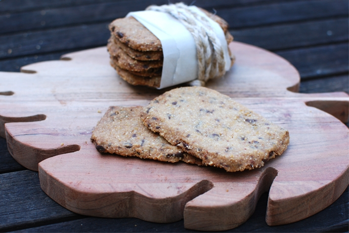 Toasted Quinoa Shortbread Cookies