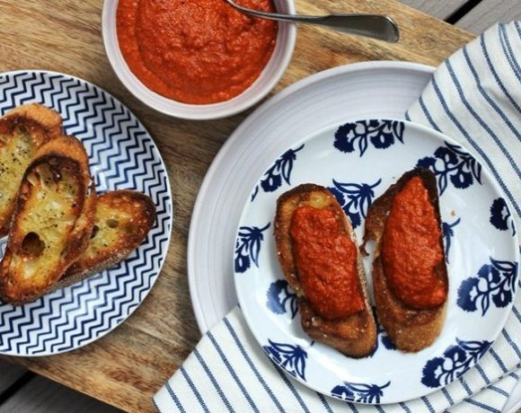 Romesco Sauce with Crostini